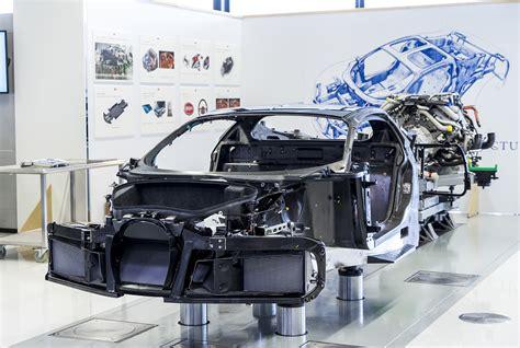 Monocoque Und Hinterwagen Des Chiron Sind Aus Carbon