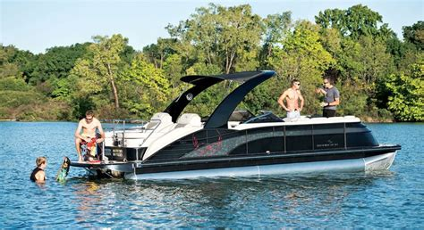 Luxury Pontoon Boats Bennington by 1000 Ideas About Luxury Pontoon Boats On Deck