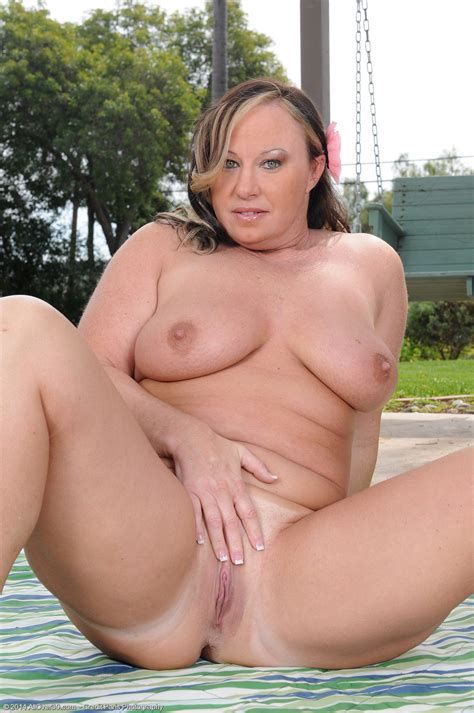 Year Old Mary Jane Exclusive Milf Pictures From