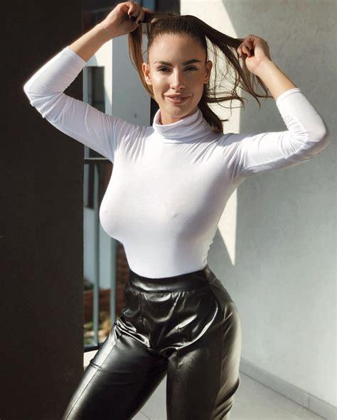 foto de Lucia Javorcekova Mature Woman Hot Pictures Hotgirl biz