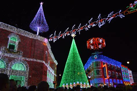Hollywood Studios Osborne Lights by Osborne Family Spectacle Of Lights Is Ending At Walt