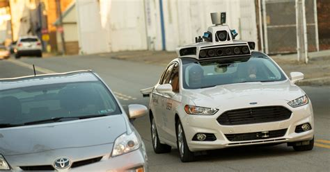 Michigan lets self-driving cars on roads without human drivers
