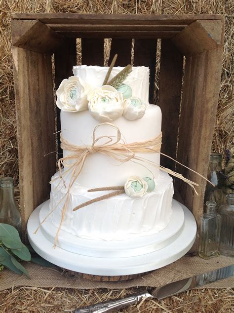Kuchen Inspiration by Luxury Wedding Cakes Hertfordshire Bedfordshire
