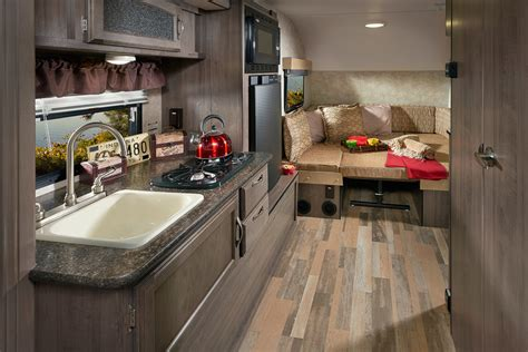 winnie drop interior features winnebago rvs
