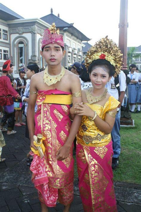 See more of pakaian couple on facebook. Inspirasi Populer 16 Gambar Pakaian Adat Laos