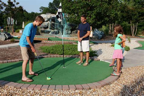 mini golf de bureau mini golf in naples a way of entertainment