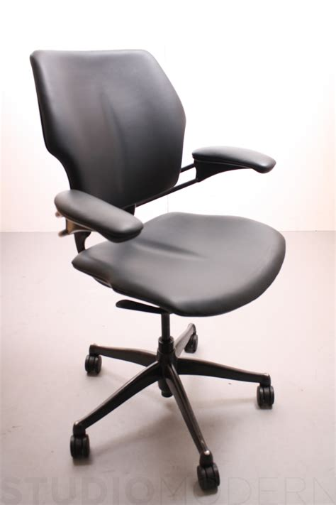 Human Scale Freedom Chair by Humanscale Freedom Chair Studiomodern