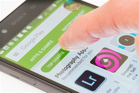 Android Mobile Store by Play App Signing Reduces The Size Of Apps And