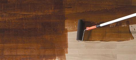 comment renover sa cuisine en chene comment teinter ou vieillir un parquet changer la teinte