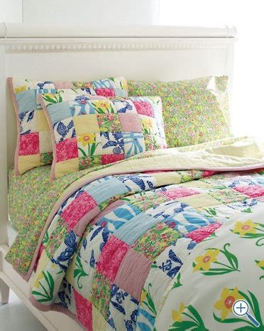 Pulitzer Bedding by 15 Must See Pulitzer Bedding Pins Apartment Bedroom