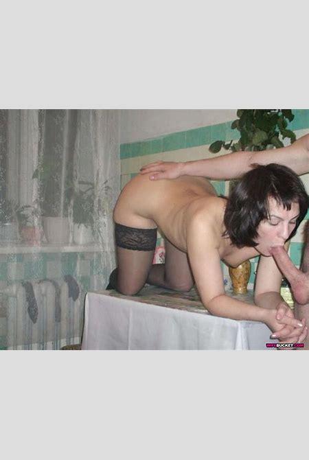 More WifeBucket at Voyeur Monkey TGP