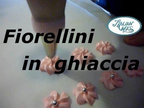 fiori di glassa reale fiorellini in glassa reale o ghiaccia reale royal icing