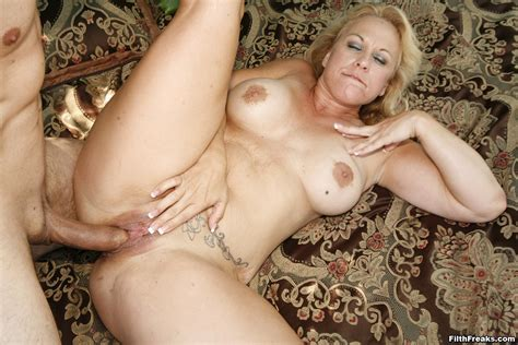 Horny Trailer Park Mom Getting Hammered Pichunter