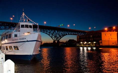 Boat Rides In Cleveland by Twilight Dinner Cruise In Ohio The In Cleveland