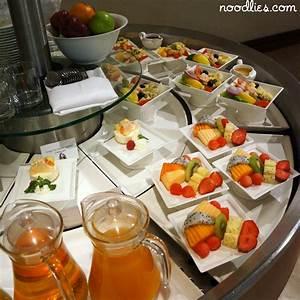 Emirates Business Class Lounge, Bangkok, Thailand ...