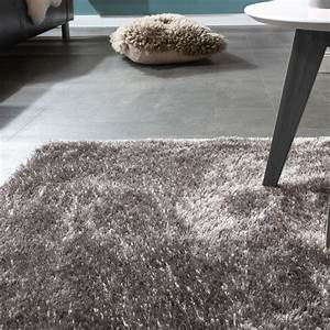 Shaggy Teppich Grau Silber : edler teppich shaggy hochflor einfarbig flauschig gl nzend in grau hellgrau teppiche hochflor ~ Bigdaddyawards.com Haus und Dekorationen
