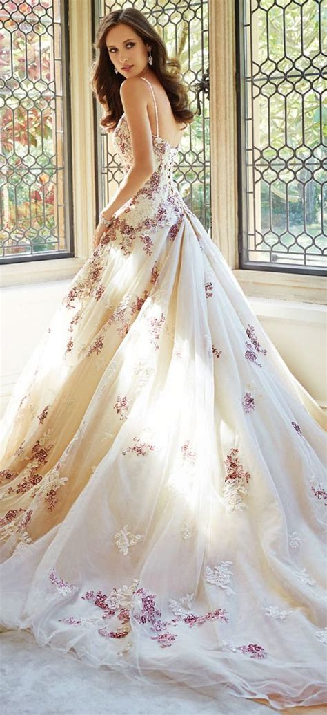 floral wedding dresses   shop  deer pearl