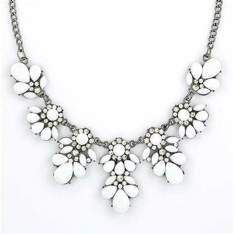 White Vintage Flower Necklace bib necklace white floral necklace by shamelessly