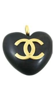 CHANEL Vintage 1994 Wood Heart CC Logo Season 28 Pendant ...