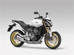 honda unveils motorcycles intermot