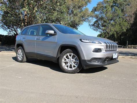 2014 Jeep Cherokee Sport Review   CarAdvice   Cherokee ...