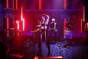 """Darren Criss Appears, Kimbra Performs On """"Late Night With ..."""
