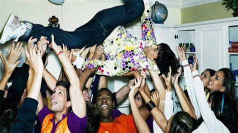 party ideas  throwing  epic house party