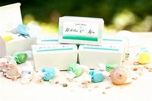 24 wedding favors your guests will actually like With salt water taffy wedding favors