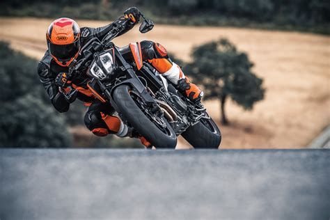ktm 790 duke 2018 2018 ktm 790 duke launched at eicma 2017 meet the scalpel bikesrepublic