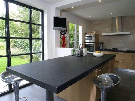 paillasse cuisine plan de travail cuisine granit noir et table centrale granit noir plan de travail cuisine et