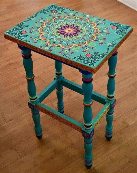 bohemian floral mandala table remodelacao de mobiliario