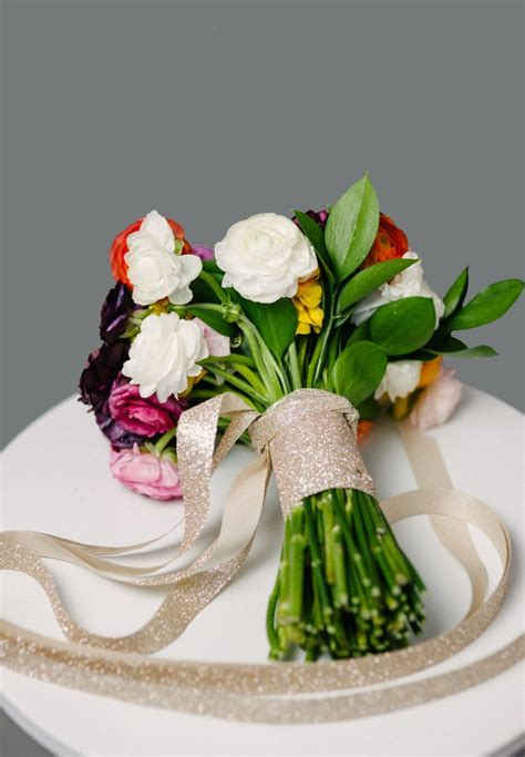 how to make a diy wedding bouquet from start to finish a practical wedding a practical