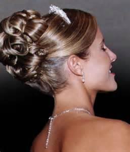 coiffure chignon mariage coiffeur mariages sens isa 39 styl chignon mariage colorations salon coiffure 89 villeneuve