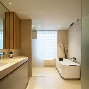 beaucoup d39idees en photos pour une salle de bain beige With carrelage adhesif salle de bain avec lumiere de noel led