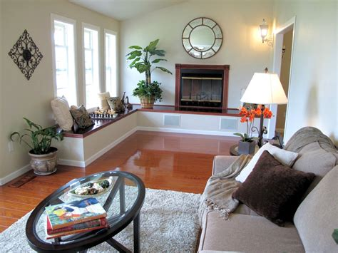 Ideas Narrow Living Rooms by 29 Decorating A Small Narrow Living Room 15 Must See