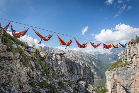 Amaca Travel by These Daredevils Slept In Hammocks Suspended Thousands Of