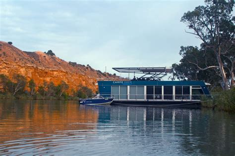 Houseboat On The Murray by The Murray River Houseboat You D Trade Your House For