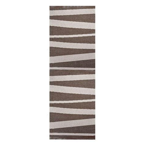 tapis de couloir design tapis de couloir are sofie sjostrom design beige et brun 70x200