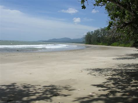 File:Remote and pristine beaches with view towards