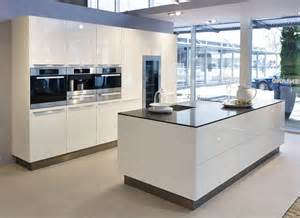 küche günstig kaufen küche mit insel kaufen möbelideen