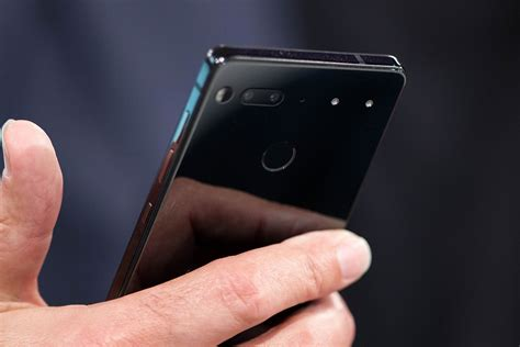 the essential phone is an intriguing indulgence the verge