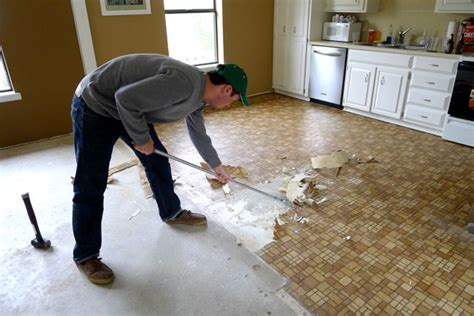 How To Replace Vinyl Flooring In Bathroom by How To Replace Linoleum Floor In A Correct Way Floor
