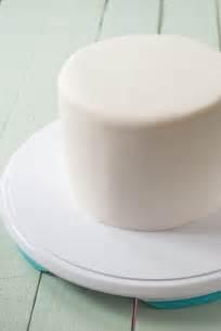 como cubrir una tarta redonda  fondant