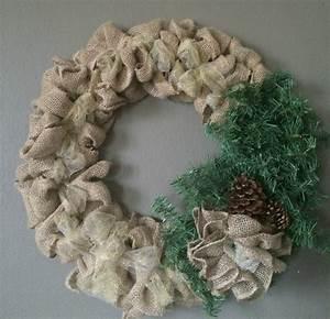 DIY Burlap Christmas Wreath - momma in flip flops