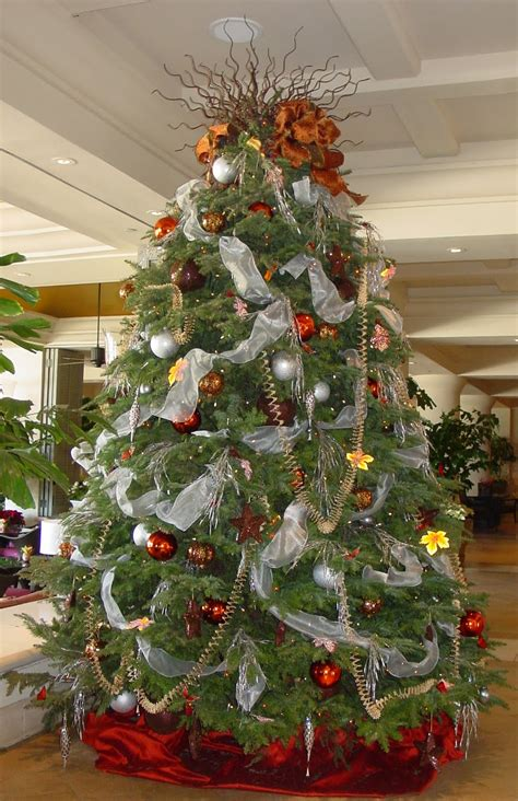 photo of decorated christmas tree s fabulously frugal decorations just another weblog
