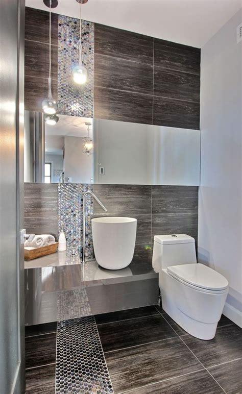 Minimalist Comfort Room Design Ideas: Solution for Small