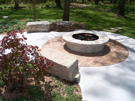 outdoor patio firepit for backyard landscaping ideas
