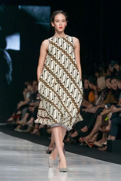 jakarta fashion week  edward hutabarat  actual
