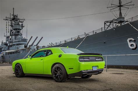 2018 Dodge Challenger Srt Hellcat Rear Three Quarter 02