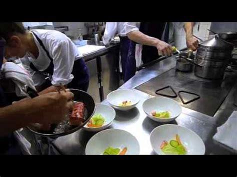 remorque cuisine barbot ambiance de service dans la cuisine de pascal barbot l 39 astrance